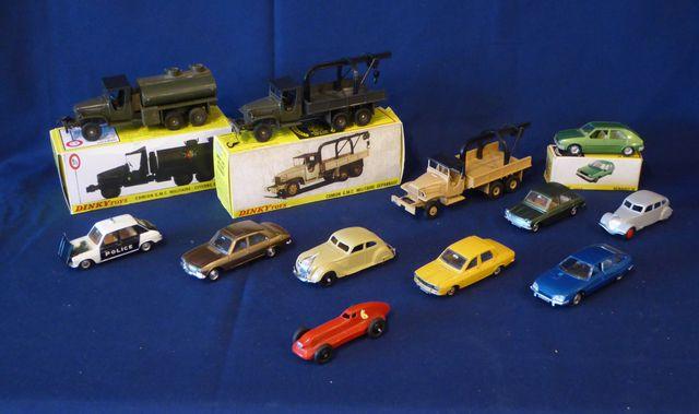 DINKY TOYS SPAIN & FRANCE Lot de 13 véhicules comprenant : Citroë...