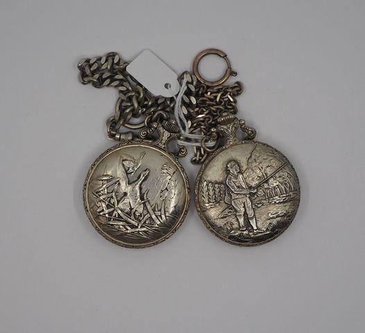 Deux montres gousset métal à décor de scène de pêche et de chasse