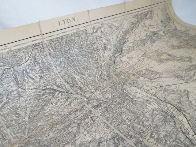 Lyon. Carte d'Etat-Major de Lyon et ses environs, entoilée et rep...