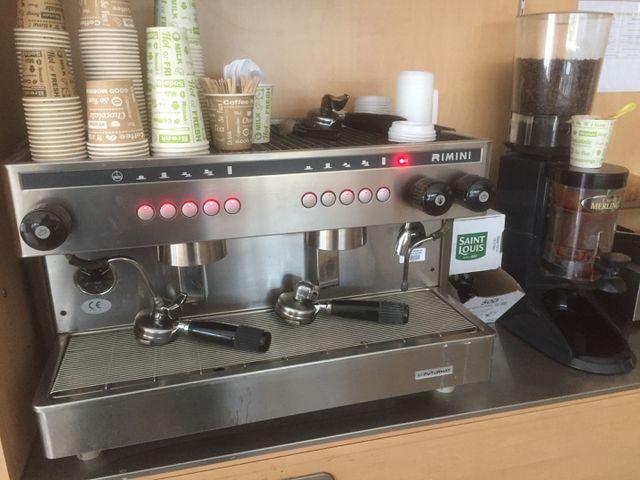 MACHINE A CAFE RIMINI ET MOULIN A CAFE