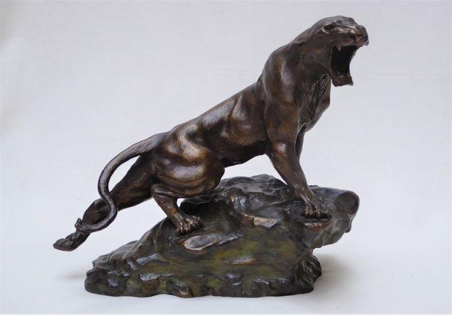 Thomas François CARTIER (1879-1943) Panthère rugissant Bronze à p...