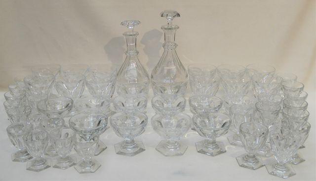 BACCARAT modèle Harcourt Service de verres en cristal totalisant ...
