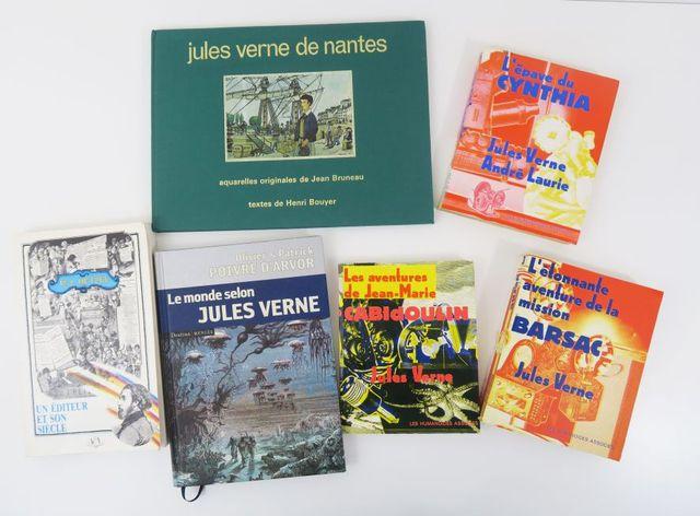 Lot. Ensemble de 7 volumes modernes autour de Jules Verne : - Un ...