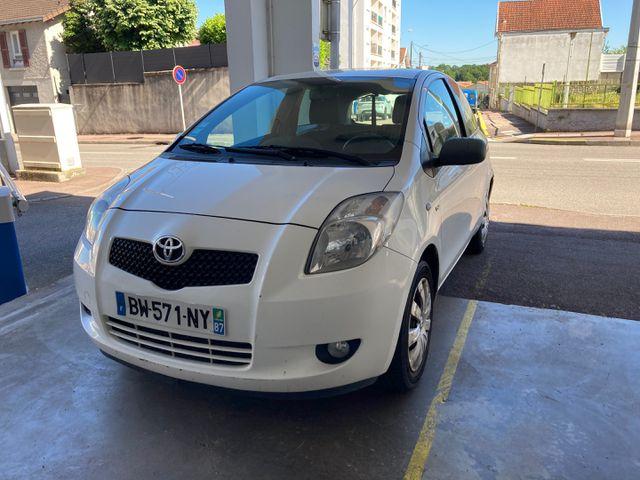TOYOTA YARIS Fab. France 3 portes 1.4 D4-D Hatchback 90 cv IMMAT:...