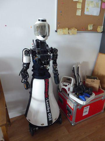 ROBOT LEEMBY (2)