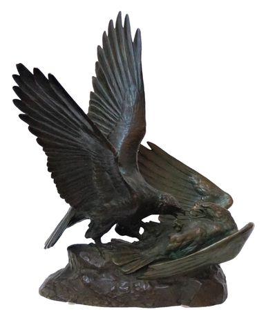 Louis RICHÉ (1877-1949) Combat d'aigles Bronze à patine brun-vert...