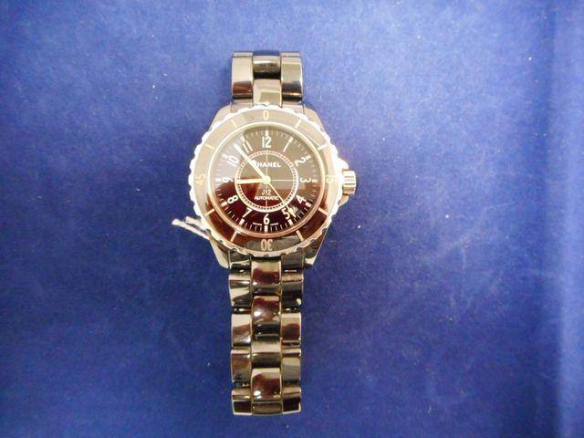 CHANEL, montre automatique J12 bracelet céramique avec facture