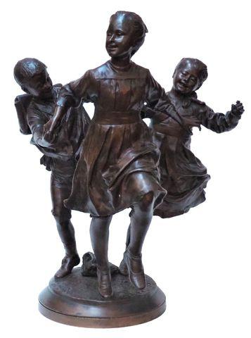 Louis MARTIN (XIXe-XXe) Ronde d'écoliers Bronze à patine brun nua...