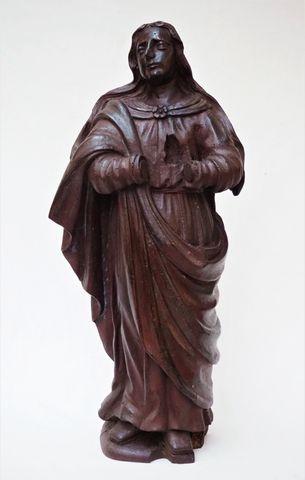 Groupe en bois sculpté représentant une Sainte femme H. 66 cm