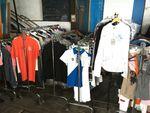 Lot de matériel d'équitation comprenant stock d'environ 700 pièce...